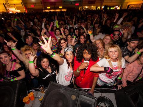 L'ambiance festive des années1980 au 80's Fest