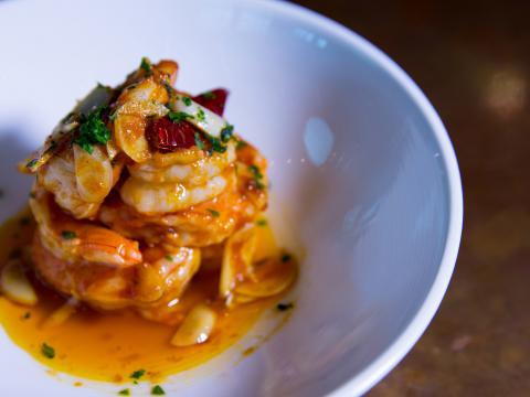 Plat de crevettes au menu du restaurant ElJaleo, dans le quartier CrystalCity à Arlington