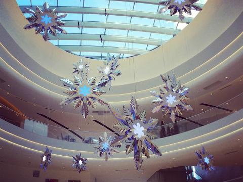 Le centre commercial Mall of America joliment décoré pour la période des fêtes