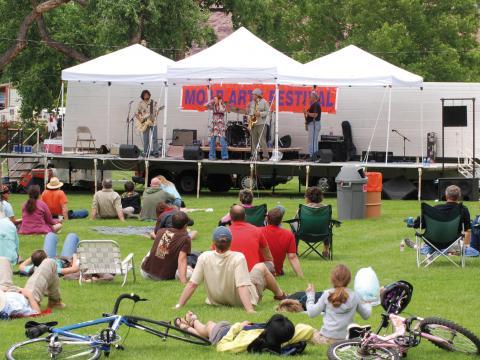 Performance musicale au Moab Arts Festival
