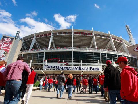 Le Great American Ball Park lors de la reprise de la saison pour l'équipe de baseball des Reds